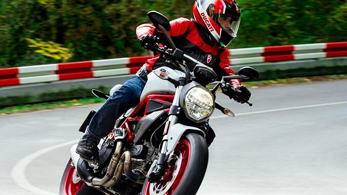 Ducati Monster 797+ Ducati Montréal, une Division Motos Illimitées